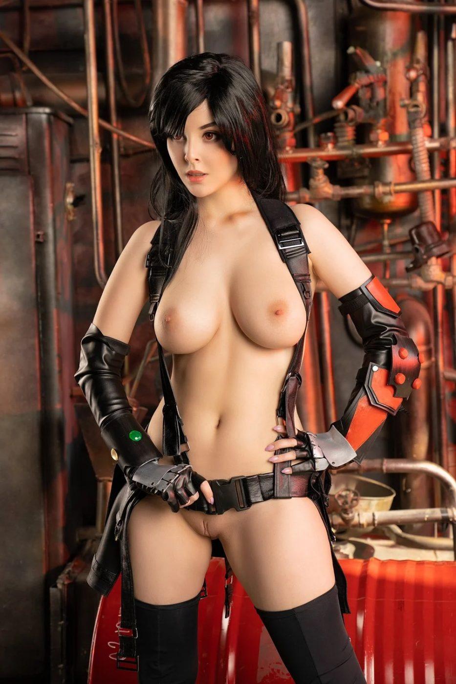 Helly von Valentine as Tifa Lockhart (Final Fantasy VII) full frontal nude babe