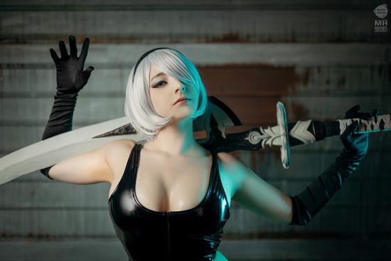 Mikomi Hokina sexy 2B Nier Automata Cosplay