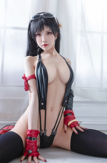 Shuimiaoaqua sexy cosplay as Tifa Lockhart Final Fantasy VII remake